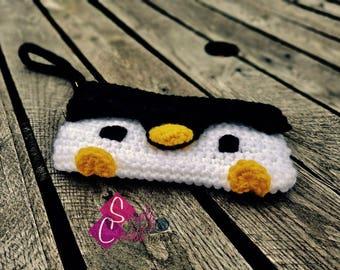 Penguin Crochet Clutch