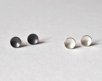 circle ear studs silver - small