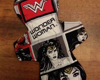 "10"" Wonder Woman cloth pad"