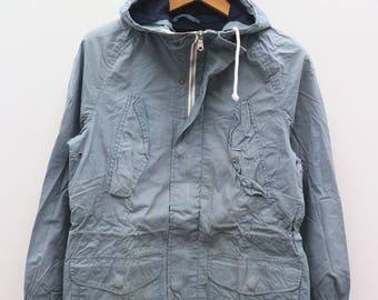 Vintage GAP Hiking Gray Zipper And Buttondown Hoodies Windbreaker Jacket