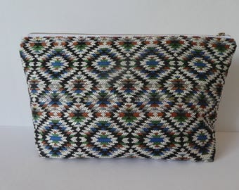 Aztec pattern cosmetic bag, Pouch in Navajo Tribal Southwestern fabric, Stylish and colorful accessory bag, Makeup storage, organizer