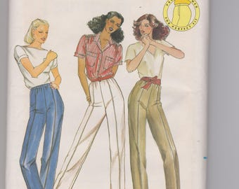 Butterick 3677 / Misses Proportioned Pants / Size C / 70's Vintage Sewing Pattern