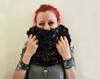 Infinity scarf (colored black)