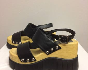 Vintage 90s Wood, Leather, and Rubber Platform Shoes / Size 6.5