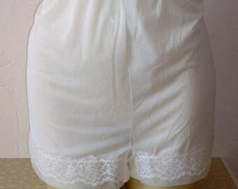 Vintage 1950's Ladies Panties size 42/44 Hips Nylon New