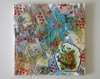 Wire flowers mixed media collage done in pastels. #mixedmediacollage #collageart #coloredwireflowers #bunnycollage #wallart #gift #homedecor