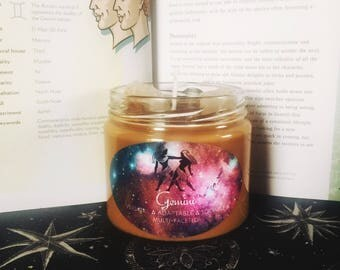 Gemini Zodiac Candle with White Agate Stones, Astrology Candle with crystals, Vanilla Hazelnut Scented Soy Candle