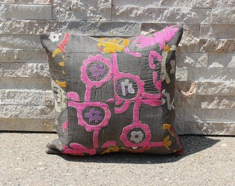 "14"" X 14"" Gray Pink Vintage Suzani Patchwork Pillow Cover, 1950s Exquisite Quality Upscale Suzani Pillow Cover"