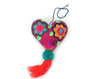 pink felt heart / embroidery