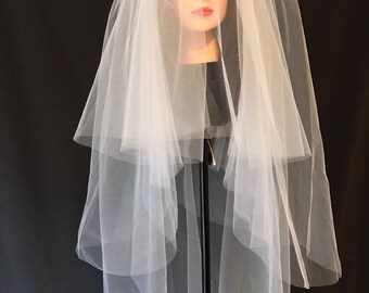 Fingertip three tiers veil