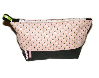 Toilet bag pink and black woman