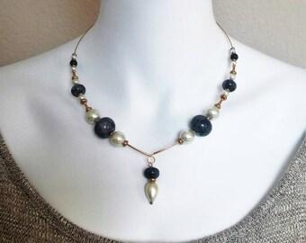 Blue Labradorite Necklace - Labradorite Choker - Labradorite Gemstone and white pearls on gold memory wire choker.
