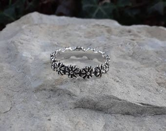 Daisy Ring, Solid Sterling Silver Daisy Ring, Flower Ring