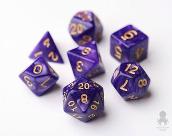 Purple Dice - Dungeons and Dragons - Pathfinder - Purple Pearl Dice With Gold Number (KD0016)