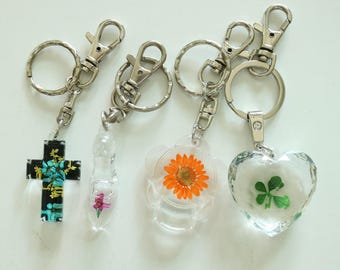 4 Real Flower Mixed Key Chains as a gift set