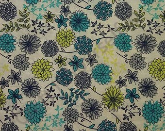 floral spray 100% cotton fabric 44 inch / 110cm floral sketch daisies blue green white