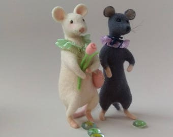 Two mice, Cute mouse, Mice figurines, Art doll mouse, Grey mouse, White wool mouse, Felted mouse, Spring gift idea, Mouse lover, Home decor