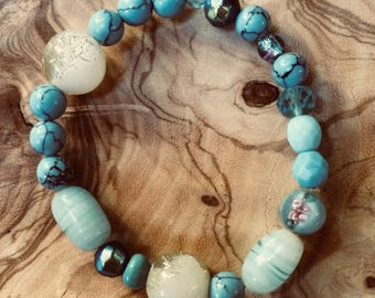 Blue Glass & Acrylic Bead Stretch Bracelet