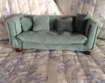 Modern couch 1:12 Dollhouse/Doll House