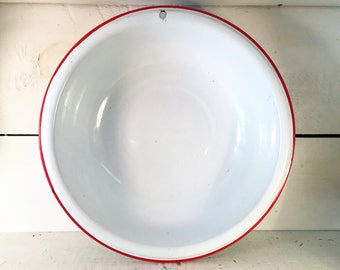 White and Red Trimmed Farmhouse Kitchen Enamelware Mid to Large Size Bowl/Shabby Chic Kitchen Enamelware Mid Size Vintage Bowl or Basin