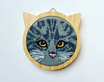 Cat embroidery hoop art, cat lover gift, grey tabby cat art, cat portrait, gift for her, cat hoop art, gift for friend, crazy cat lady