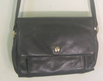 Vintage older Original Aetienne Aiger handbagGenuine leather 12 x 7 - 19 from top of strap to bottom of bag