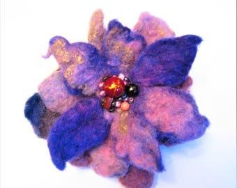 Brooch of wool Woolen brooch Purple wool brooch Beads wool brooch Boho wool brooch Felted brooch flower Boho brooch Flower brooch Felt pin