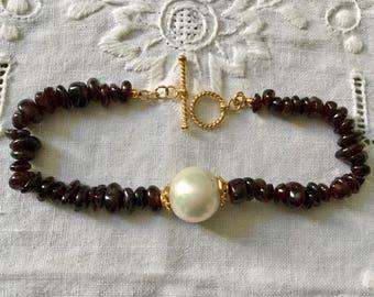 UNIQUE GARNET PEARL Bracelet - Gold years-sterling silver Genuine Huge pearl - genuine garnet-Vintage hand made-Very Beautiful bracelet