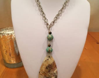 Necklace crazy lace agate with jasper.