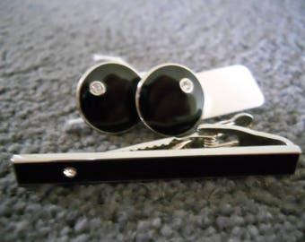 Gentleman's cufflinks and tie clip