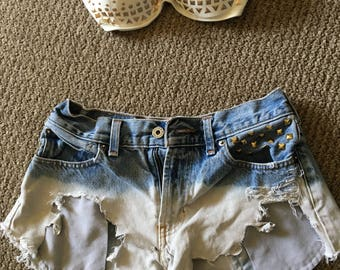 Crop bra with high waisted short shorts