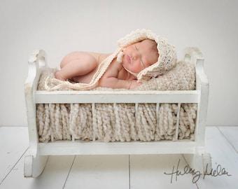Newborn Girl/Boy Digital Backdrop/Background Vintage White Baby Bed