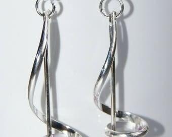 Spiral earrings dangle treble clef