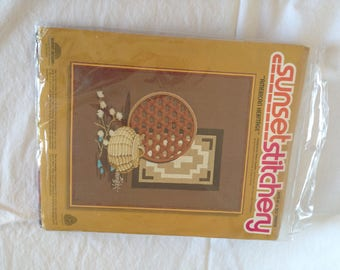 "Vintage Sunset Stitchery Kit ""American Heritage"""