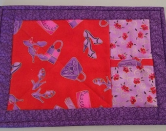 Red Hat Quilted Snack Mat, Red Hat Quilted Rug Mug, Quilted Snack Mat with Pocket, Item 1152D