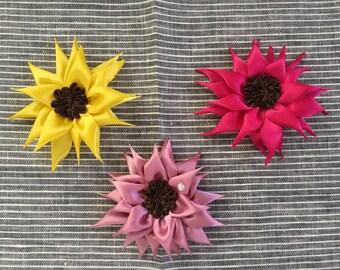 Pointed Petal Flower - Hair Clip