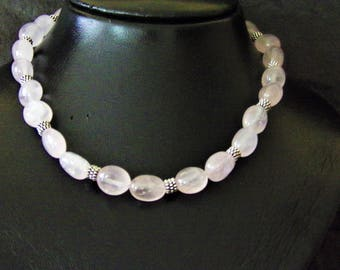 Beautiful rose quartz gemstone necklace
