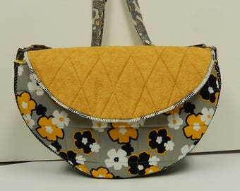 Shoulder Handbag, Fabric Purse Saddle Bag, Crossbody Handbag, Adjustable Strap, Flap with Magnetic Closure, Flower Purse, Gray and Gold