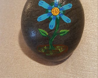 Painted flower stone #10,painted stone