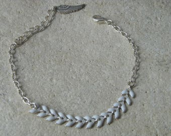 White glazed corn chain bracelet