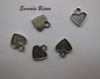 2 pendants 1 cm silver metal hearts