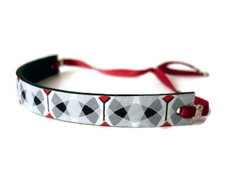 Nice graphic design inspired by the cement tiles leather bracelet