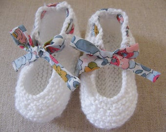 Slippers in white cotton and LIBERTY Betsy porcelain 1/3/6/9 months