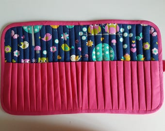 Case pencils or markers, 24 compartments, bird fabric, fully lined, neat work