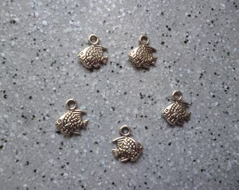 9 mm silver metal fish charms