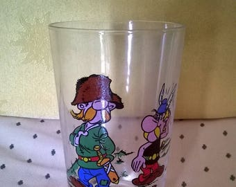 585) 1968 Asterix collection glass