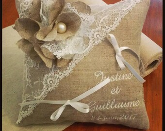 Personalized ring pillow - linen with vintage lace wedding