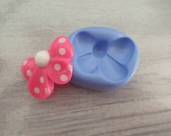 New! Silicone mold for polymer clay bow 2.5 cm by 2 cm ;)