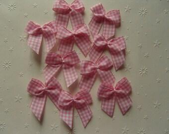 Pink Gingham Bow, set of 10, embellishment, applique.