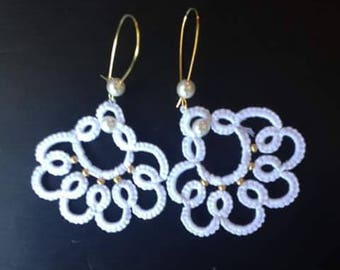 Lace lace white cotton tatting and tatted glass bead earrings